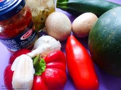 Barilla Pesto Rustico gefüllter Kürbis mediterranes Gemüse