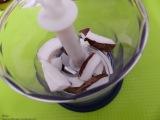 Kokosnuss mit Milch