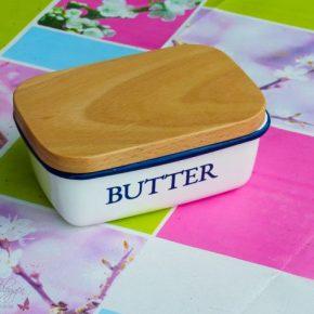 [Shorty] Die klassische Butterdose amFrühstückstisch