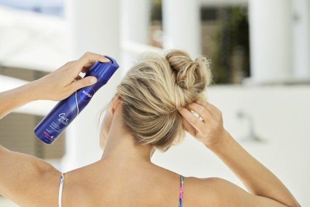 SOMMER FRISUREN - Für jede Haarstruktur die richtige! Nivea NIVEA Pflege & Halt Haarspray