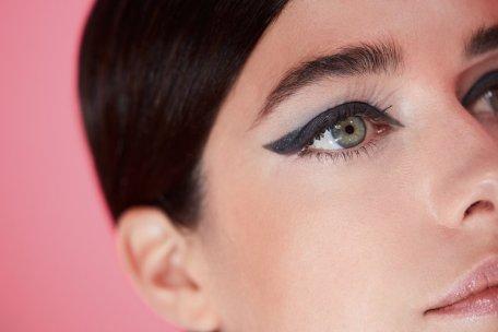 lavera Graphic Eyeliner – Ausdrucksstarker Augenaufschlag direkt vom Runway