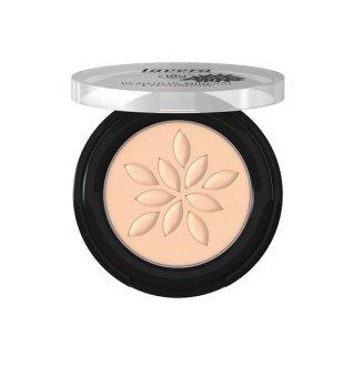 lavera Graphic Eyeliner – Ausdrucksstarker Augenaufschlag direkt vom Runway mineral eyeshadow matt and biscuit
